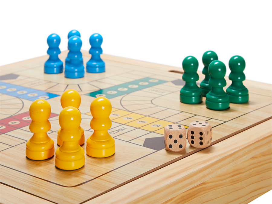 Sjakkbord med ludo og dam