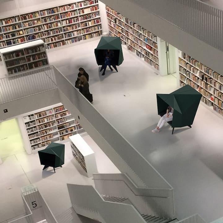 Sittehule Habicave i bibliotek